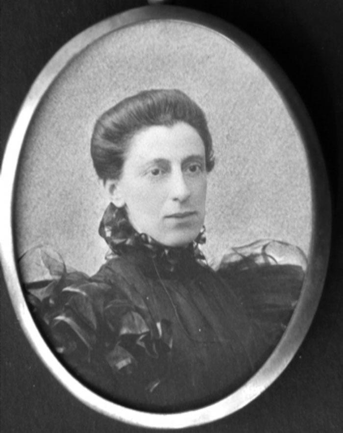Helena Thompson1